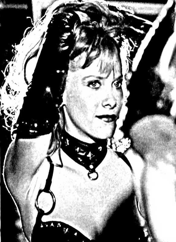 Barbara Crampton Gotō From Beyond Bondage